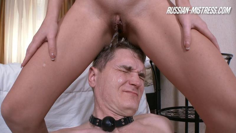Russ14n-M1str3ss: Lola Shine - Piss Slave [HD] (247 MB)