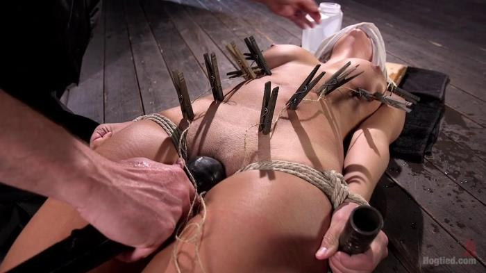 H0gT13d.com - Princess Revisits H0gT13d to Prove Herself to The Pope (BDSM) [HD, 720p]