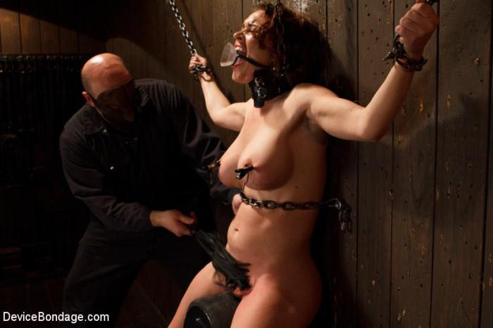 D3v1c3B0nd4g3.com - Krissy Lynn and Sgt. Major (BDSM) [HD, 720p]