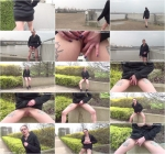 Demona - Pee in the park (SneakyPee) HD 720p