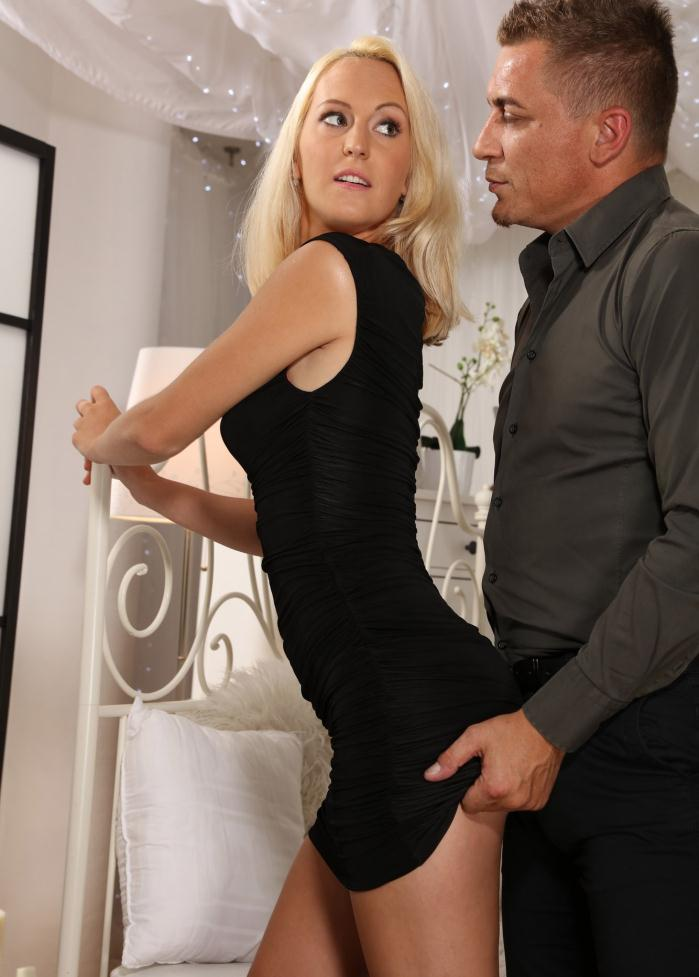 Nela Angel - Mature woman loves deep penetration  [FullHD 1080p]