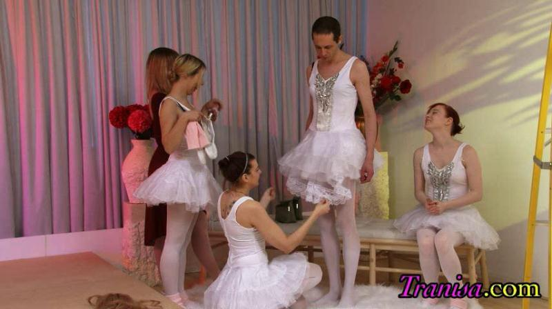 White Swan (Gender Transformation) [Clips4sale, Tranisa / SD]