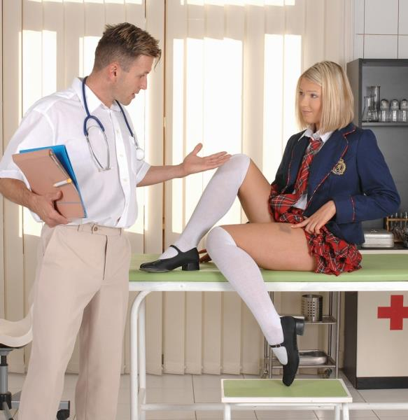 Lucy Heart, Csoky Ice - School Girl Checkup [FullHD 1080p] TeenBitchClub.com