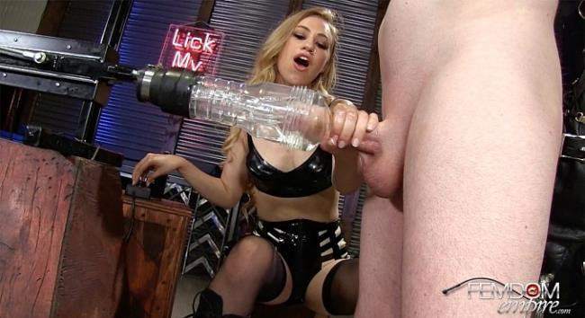 Femdom Porn: Mistress Lyra - Hold your Nut! (FullHD/2016)