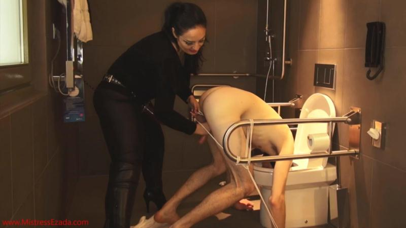DeepThroated, then fucked and ruined with his head in the toilet FULL UNCUT [Clips4Sale, Mistress Ezada Sinn / FullHD]