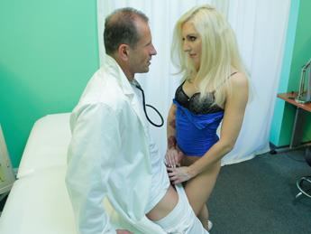 F4k3Hub.com [Vanessa Sweet - Tattooed Blonde Loves Doctor\'s Dick] SD, 480p