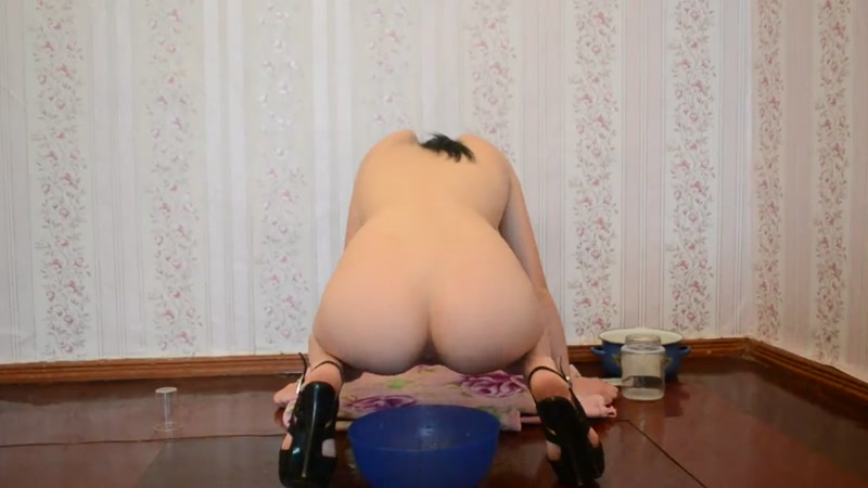 Milk enema in a bowl - Amateur (SCAT / 21 Aug 2016) [FullHD]