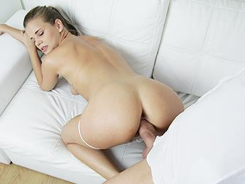 Sarah Kay (Hot model sucks dick for top job / 27.08.16) [F4k34g3nt / SD]