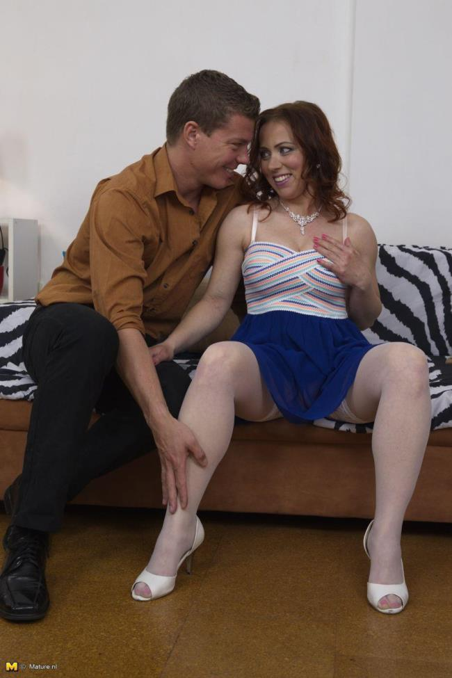 Mature.nl: Bibi Fox (35) - Horny mom fucking and sucking (HD/2016)