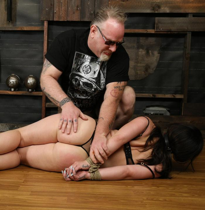 SocietySM/DungeonCorp: Belle Noire - Moaning and Screaming  [FullHD 1080p]  (Bondage)