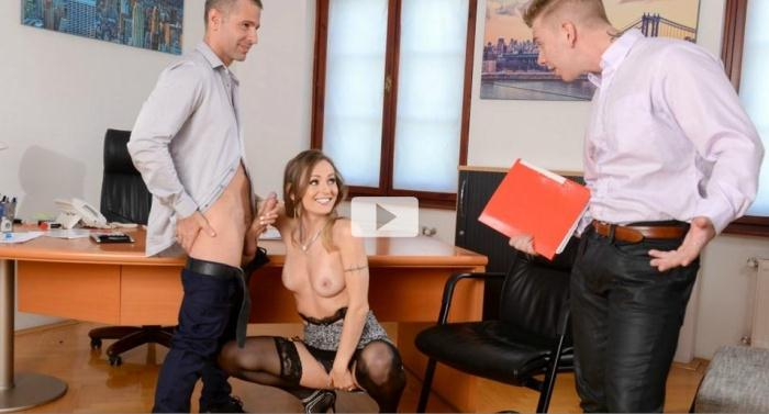 DPF4n4t1cs.com - Natasha Starr - He Walked In (Group sex) [SD, 400p]