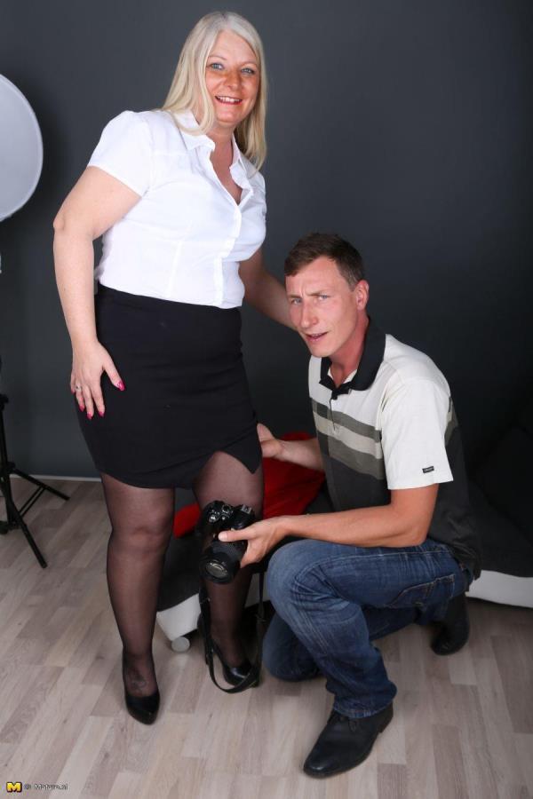Mature.nl: Rosella (EU) (45) - Curvy German lady fucking and sucking (2016/HD)