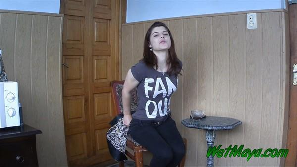 Pissed off because of her boyfriend is late: Maya - Piss Video 1080p