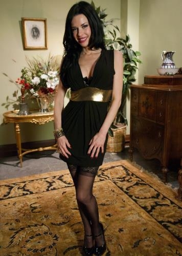 Veronica Avluv - The Lonely Housewife (2013/HD)