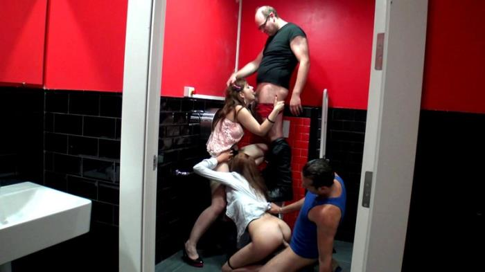 French Exclusive - Julie - Orgie dans les toilettes d'un bistrot ! [FullHD 1080p]