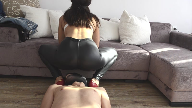 Fart and shit spandex black trousers - Femdom (SCAT / 09 Aug 2016) [FullHD]