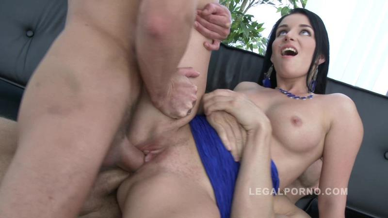 LegalPorno.com: Lucia Denvile public pickup & 3on1 Airtight DP SZ1431 [SD] (821 MB)