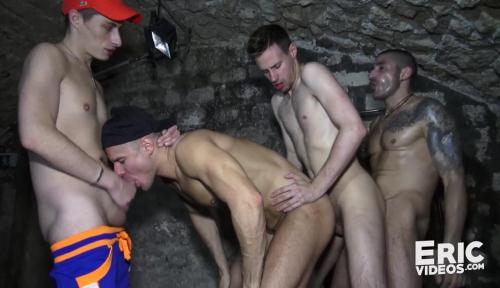 Devian hooks up with 3 guys [HD, 720p] [EricVideos.com] - Gay