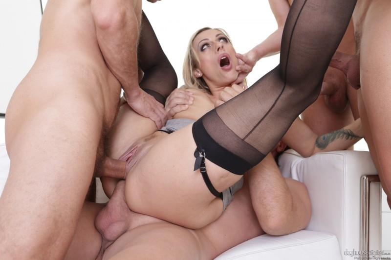 Brittany Bardot - 4 on 1 Gang Bang [DogHouseDigital / SD]
