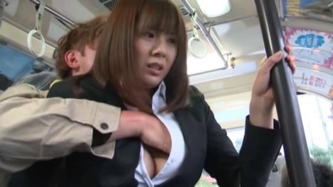 JAV Porn: Yuma Asami - Undercover Agent Groping Bus sc1 (SD/2016)