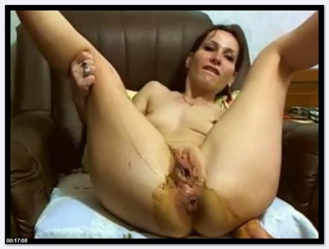 Scat Video: Amateur - Scat whore cam (SD/2016)