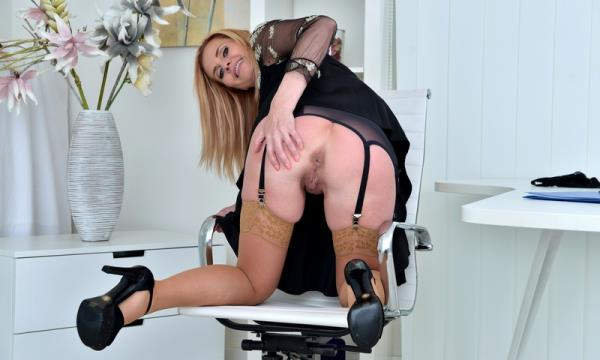 4v Office pleasure / 15.08.16: Lili Peterson - Anilos 1080p