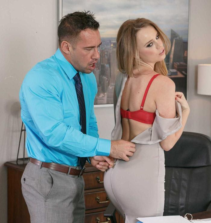 Office Porn - Alexis Adams - Medium Natural Tits  [HD 720p]