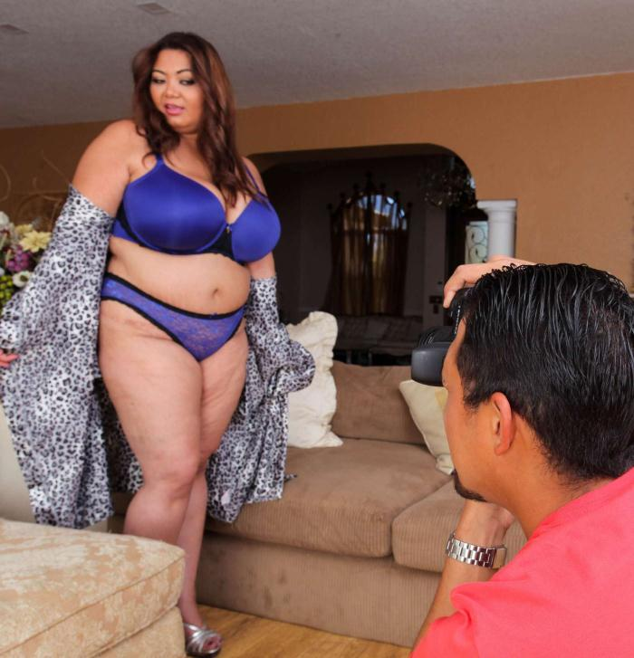 PlumperPass - Miss LingLing [Calendar Girl] (HD 720p)