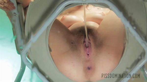 Exclusive Pissing: Anna De Ville - Anna De Ville unleashes on her piss slave (FullHD/2016)