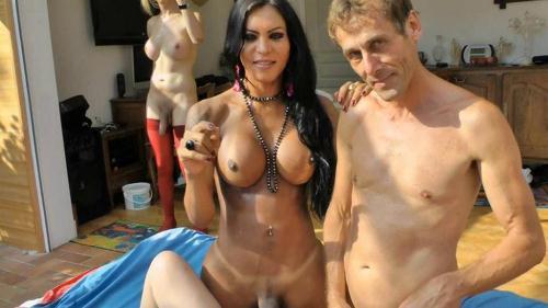 Luciana, Bianca - Trans, bi et bonne cochonne pour une partouze hallucinante! [HD, 720p] - Shemale