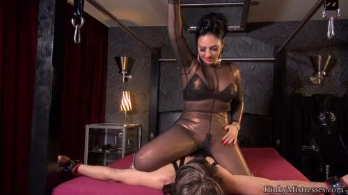 KinkyMistresses.com [Mistress Ezadas Face Sitting Slut] HD, 720p