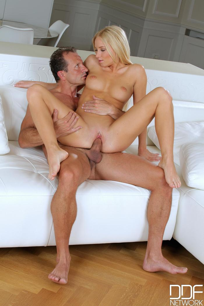 Hands Hardcore - Kiara Lord - Horny Hubby - He Bangs That Blonde Babes Tasty Twat  [FullHD 1080p]