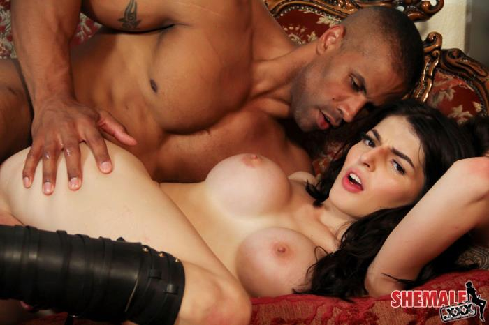 Shemale: Vixxen Goddess - Vixxen Goddess Gets Fucked Hard! [HD 720p]