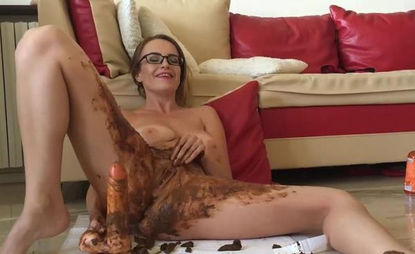 Scat Video: Amateur - Josslyn Kane Shitting On Your Big Cock (2016/FullHD)