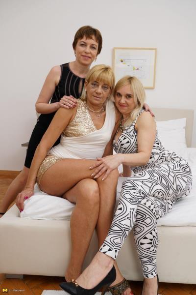 Nicola S. (40), Alma (40), Karine C. (49) - 3 mature lesbians sharing their pussies 720p