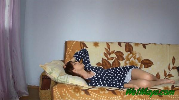Exclusive Pissing - Maya - Peeing in a dress and getting to sleep happy and relaxed [FullHD 1080p]