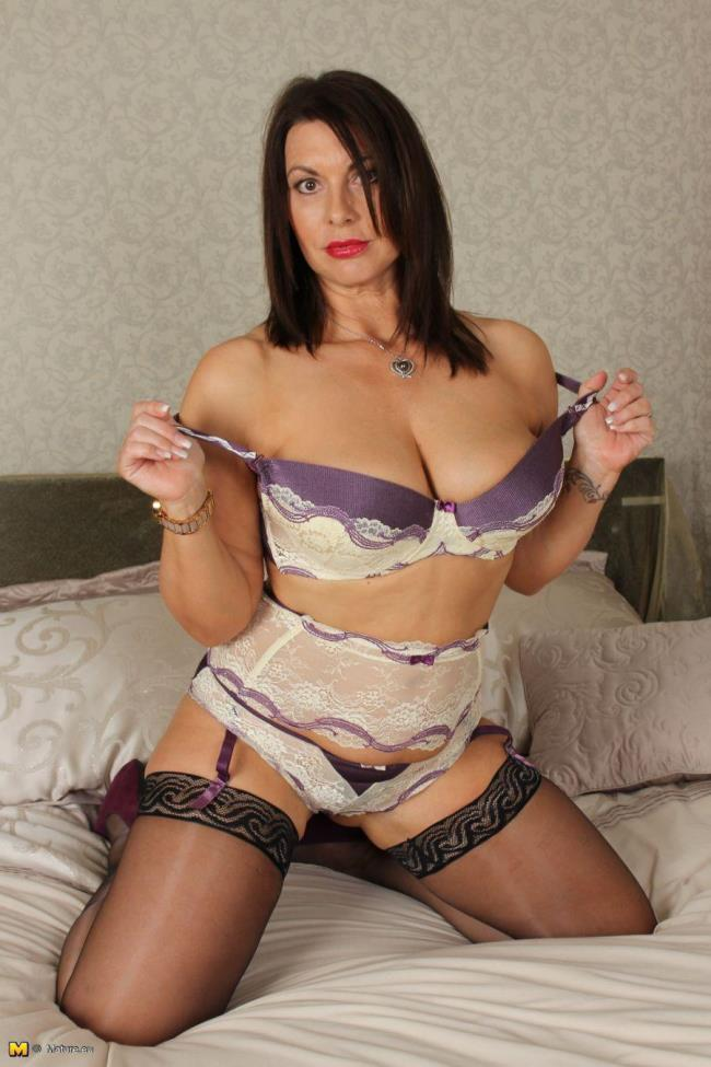 Mature.eu: Christine O. (EU) (47) - British MILF playing with herself (HD/2016)
