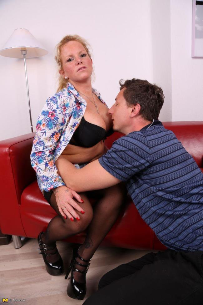 Mature.nl: Gina O. (EU) (35) - German housewife fucking and sucking (HD/2016)