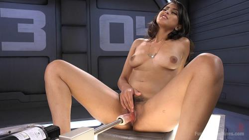 Fuck1ngM4ch1n3s.com [Brand new girl gets pounded with machines!] HD, 720p