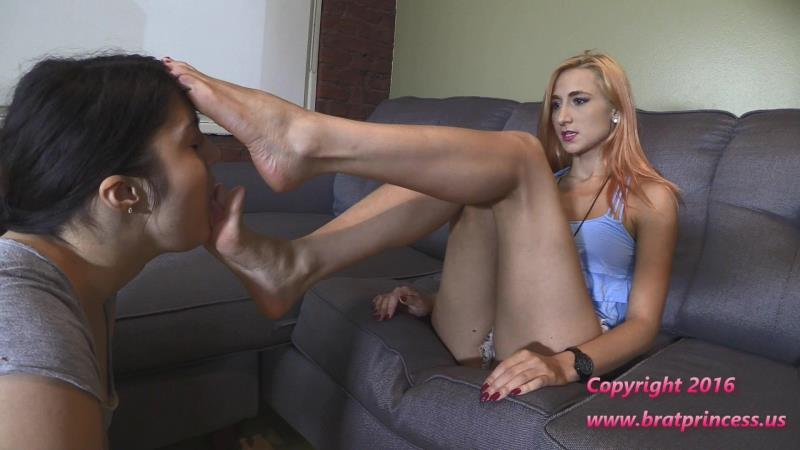 Amadahy - Shows Virgin Friend how to Worship Her Feet [Сlips4sale, BratPrincess2 / FullHD]
