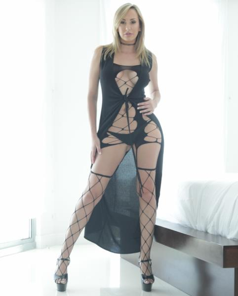 (PureMature.com) Brett Rossi - Champagne Wishes (SD/480p/323 MB/2016)