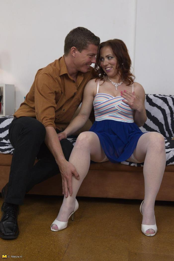 Mature.nl - Bibi Fox (35) - Horny mom fucking and sucking [HD 720p]