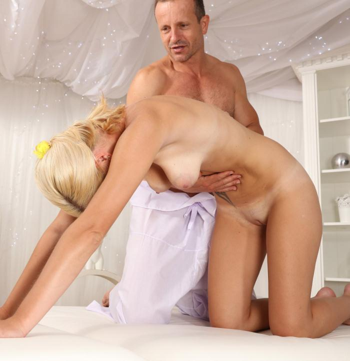 MassageRooms: Nela Angel - Creampie for innocent blonde Milf  [HD 720p] (585 MiB)