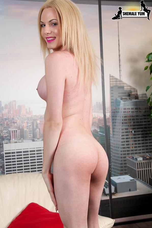Sh3m4l3Yum.com - Pretty Leggy Cayla Sky! (shemale) [HD, 720p]