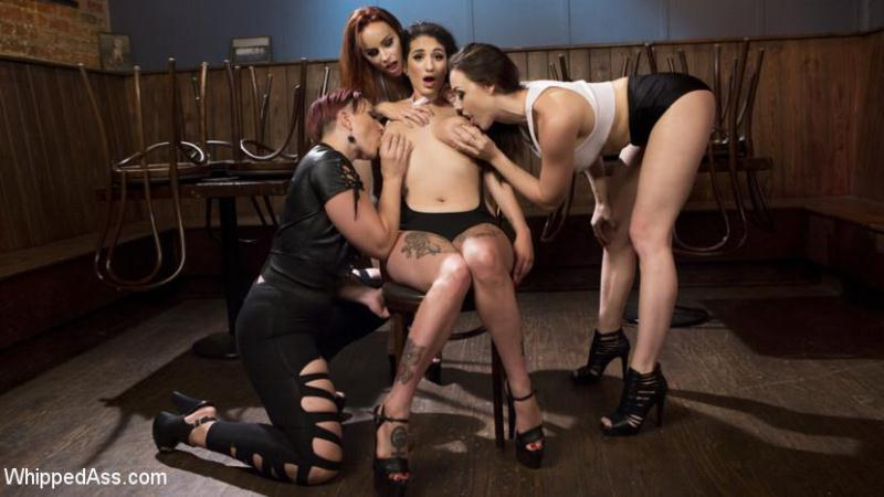 Chanel Preston, Bella Rossi, Mistress Kara, Arabelle Raphael  (Dyke Bar 4: Wet T-shirt Contest! / 04.08.16) [WhippedAss, Kink / SD]