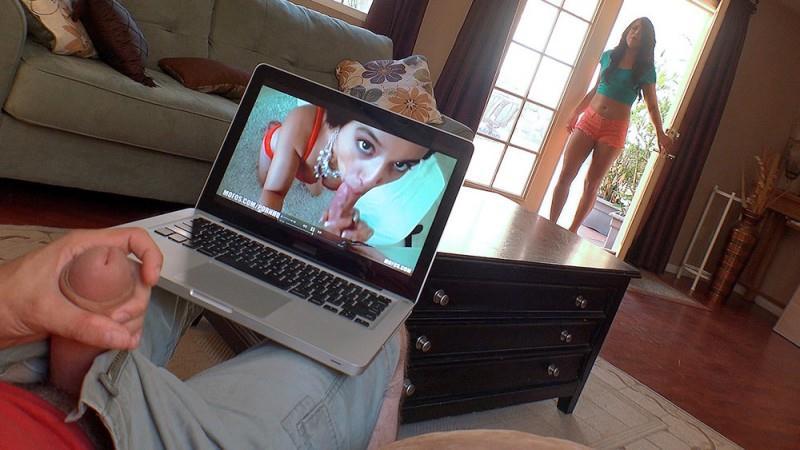 1Kn0wTh4tG1rl.com: Adriana Chechik Deepthroats her BF [SD] (527 MB)