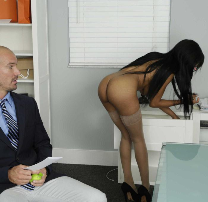 BigTitsAtWork/Brazzers: Brittney White - My Naked Boss  [SD 480p]  (Big Tits)