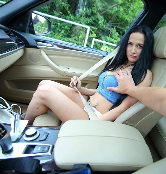 World Teen Russian - Nicole Love - Car Fuck  [SD 540p]