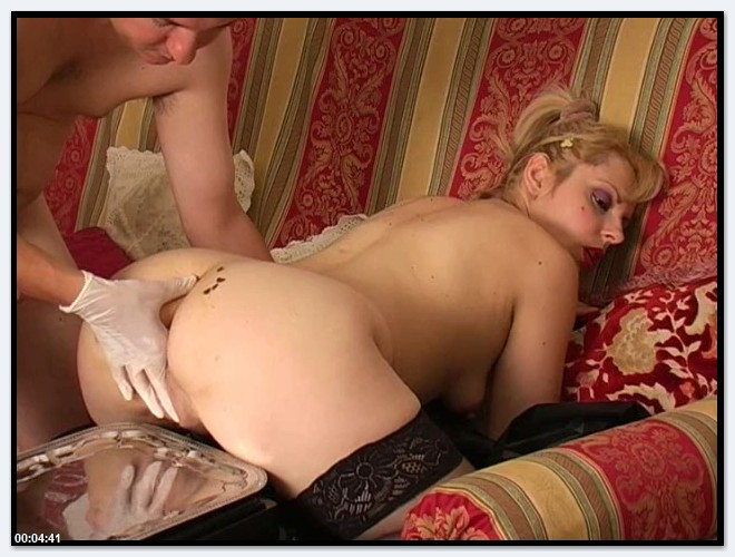 Scat Video - Amateur - Blonde Milf Shitting [SD 480p]