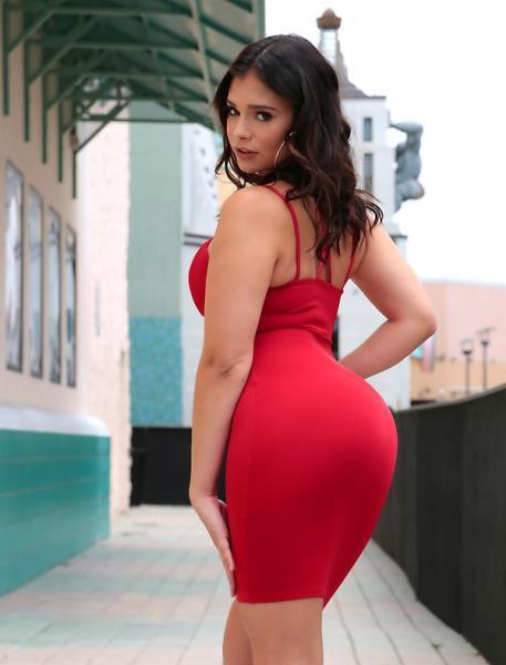 Starr Quality: Violet Starr - 8thStreetLatinas 432p
